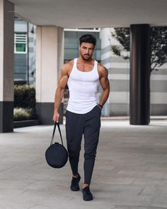 visit our website for the latest men's fashion trends products and tips . Fitness Gym, Fitness Models, Mens Fitness Model, Latest Mens Fashion, Daily Fashion, Men's Fashion, Fashion Trends, Style Urban, Look Man