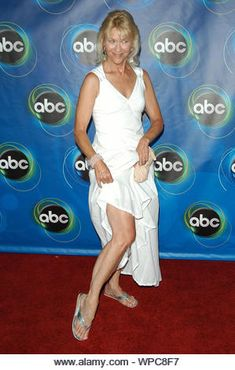 Dee Wallace Stock Photos & Dee Wallace Stock Images - Page 4 - Alamy Christopher Stone, Dee Wallace, Tv Moms, The Castaway, Film 2017, Beverly Wilshire, Kodak Film, National Theatre