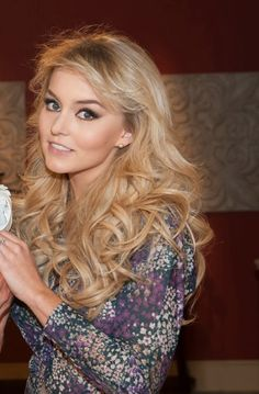 The hair,the makeup! Angelique Boyer