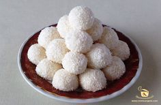 Bomboane Raffaello Rafaelo Cake, Tzatziki, Muffin, Cooking Recipes, Sugar, Breakfast, Sweet, Desserts, Food