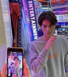 Pretty Boys, Cute Boys, Bright Wallpaper, Learn Mandarin, Boy Celebrities, Chinese American, Bright Pictures, Handsome Prince, Dream Boy