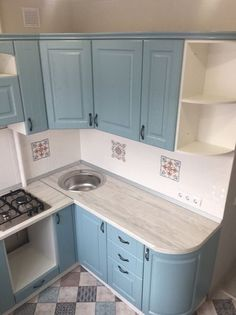 Bespoke Kitchens - Designs for All - ersont Kitchen Room Design, Studio Kitchen, Home Decor Kitchen, Interior Design Kitchen, Kitchen Furniture, Home Kitchens, Kitchen Modular, Compact Kitchen, Design Rustique