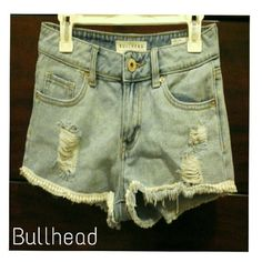 NO BUNDLE Bullhead denim shorts Low rise short / In like new condition. / Size 3 Bullhead Shorts Jean Shorts