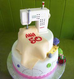 Pastel de fondant Maquina de coser Bernina. #bernina
