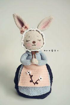 Mesmerizing Crochet an Amigurumi Rabbit Ideas. Lovely Crochet an Amigurumi Rabbit Ideas. Crochet Bunny Pattern, Crochet Rabbit, Crochet Wool, Easter Crochet, Cute Crochet, Beautiful Crochet, Crochet Baby, Crochet Patterns, Crocheted Toys