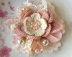 Artículos similares a Larger Crochet Flower in 3 inches YH - en Etsy Freeform Crochet, Thread Crochet, Irish Crochet, Cloth Flowers, Fabric Flowers, Crochet Flower Patterns, Crochet Flowers, Diy Cadeau, Crochet Leaves