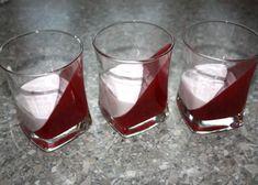 Efektný ovocný pohár, Poháre, pudingy, krémy, recept | Naničmama.sk Shot Glass, Panna Cotta, Tableware, Food, Dinnerware, Meal, Dishes, Essen, Place Settings