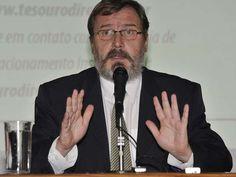 O ex-secretário do Tesouro Nacional, Arno Augustin, é o culpado pelas manobras fiscais no primeiro mandado de Dilma Rousseff, segundo documento analisado pelo TCU