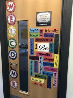 Trendy English Classroom Door Decorations Decorating Ideas - New Deko Sites Classroom Door Displays, Classroom Door Signs, School Displays, Middle School Classroom, Classroom Bulletin Boards, Welcome Door Classroom, English Classroom Displays, Year 6 Classroom, Ks2 Classroom