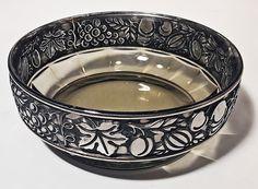 Bombonieră Art Deco, stil Moser Serving Bowls, Art Deco, Tableware, Feral Cats, Dinnerware, Tablewares, Dishes, Place Settings, Mixing Bowls