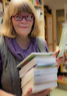 Syyskuussa kohtaamme pitkän linjan kirjastolaisen, kirjastovirkailija Ulla Tiaisen.
