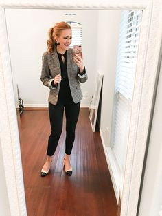 interview outfits women - business professional outfits for interview Business Professional Outfits, Professional Wardrobe, Business Casual Outfits, Work Wardrobe, Business Attire, Business Chic, Business Fashion, Capsule Wardrobe, Business Formal