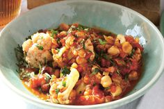 Cauliflower and Chickpea Curry / Simon Wheeler