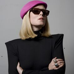 Roisin Murphy rocking an actual raspberry beret Daily Fashion, Love Fashion, Fashion Trends, Philip Treacy Hats, Golden Age Of Hollywood, Feminine Style, Role Models, Pretty Woman, Style Me