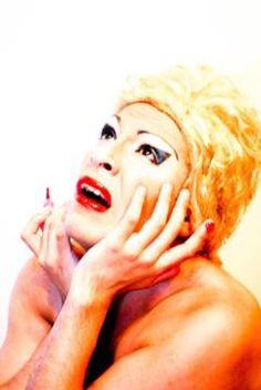Evita muere - Alternativa Teatral