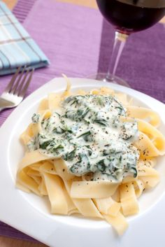 This exquisite dish boast 3 kinds of cheese, spinach, garlic, and even a little cayenne and cinnamon to contrast those warm and earthy flavo. Pasta Recipes, Diet Recipes, Vegetarian Recipes, Chicken Recipes, Cooking Recipes, Seafood Dishes, Pasta Dishes, Pasta Casserole, Recipes