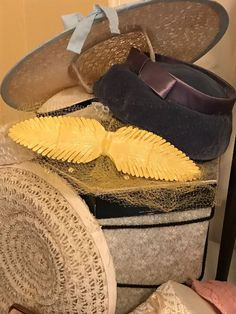 Found on EstateSales.NET: More Vintage Hats!