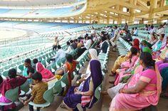 क्रिकेट प्रशंसकों की देश में बड़ी संख्या है। इसी के मद्देनजर छत्तीसगढ़ में अंतरराष्ट्रीय स्तर का स्टेडियम स्थापित किया गया है। जिसे देखने दूर-दराज से पर्यटक आते हैं। हमर छत्तीसगढ़ योजना में अध्ययन-भ्रमण के लिए आए बलौदाबाजार-भाटापारा जिले के पंचायत प्रतिनिधियों ने शहीद वीर नारायण सिंह अंतरराष्ट्रीय क्रिकेट स्टेडियम का अवलोकन किया। यहां की व्यवस्थाओं और विशेषताओं के बारे में जानने का मौका मिला।
