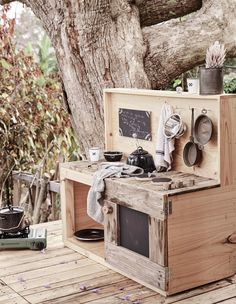 The Design Files – The Coolest Cubby of All Time, Photo – Sam Elsom. Outdoor Play Kitchen, Kids Outdoor Spaces, Mud Kitchen For Kids, Kids Outdoor Play, Backyard Play, Outdoor Playground, Kids Cubby Houses, Kids Cubbies, Play Houses