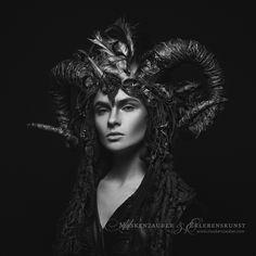Fashion Black And White Photography Witches 62 Ideas Fashion Model Poses, Fashion Models, Vampires, Dragon Makeup, Portrait Acrylic, Fantasy Art Women, Girl Silhouette, Costume, Black Models