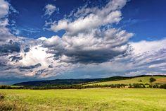 Storm approaching Komańcza - Stormy clouds approaching Komańcza village in south…