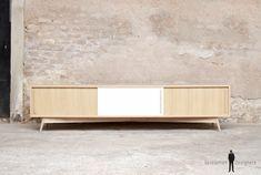 Meuble hifi tv grand bas vintage bois sur-mesure made in france Made In France, Tv Cabinets, Style Vintage, Sideboard, Furniture Design, Sweet Home, Living Room, Interior Design, Storage