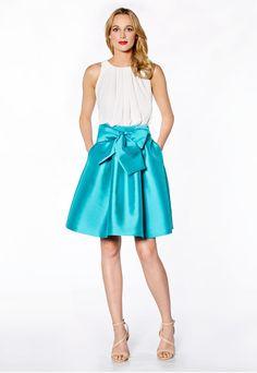 Tienda de vestidos de fiesta y madrina de Maria Lago colección 2017 modelo 1140 en Eva Novias Calle Mayor, 5 T. 91 522 35 73 .