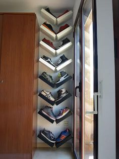 Cool idea – use IKEA LACK shelves in a V shape to make a interesting shoe rack. Cool idea – use IKEA LACK shelves in a V shape to make a interesting shoe rack. Ikea Lack Shelves, Lack Shelf, Shoe Shelves, Wall Shelves, Floating Shelves, Diy Shoe Storage, Diy Shoe Rack, Storage Hacks, Creative Storage