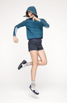 Outdoor Voices's Tyler Haney looks to cult artist Nathalie Du Pasquier for design inspiration for her label's first line of patterns. Sport Editorial, Nathalie Du Pasquier, Singing Exercises, Bra Pattern, Born To Run, Poses For Pictures, Nike Workout, Sport Man, Sport Girl