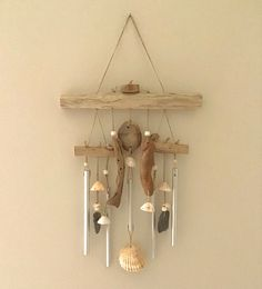 Carillon en bois flotté et coquillages Wind Chimes, Decoration, Outdoor Decor, Home Decor, Sea Shells, Objects, Atelier, Paint, Decor