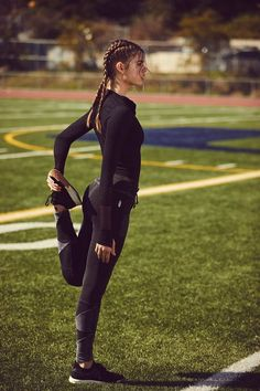 The post ▷ 7 types of FITNESS clothing that will help you see FAST results. appeared first on Leanna Toothaker. ▷ 7 Tipos de ropa FITNESS que te ayudarán a ver resultados RAPIDOS. What kind of clothes should I wear to start exercising? Athletic Outfits, Sport Outfits, Athletic Clothes, Athletic Girls, Women's Running Outfits, Athletic Fashion, Riding Outfits, Yoga Outfits, Athletic Wear