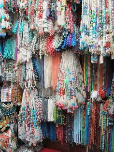 A bead bazaar in Istanbul...or maybe a jewelry designers ultimate paradise...OMG, I have died and gone to bead heaven! Can I make a curtain out of this?