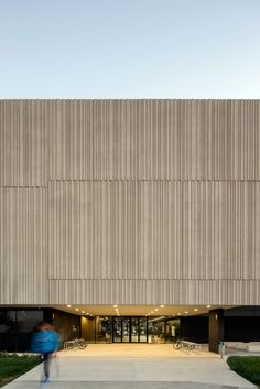 Gallery of Teaching Block Arenals / Lola Romera + Marta Clavera + Francisco Mansilla - 14