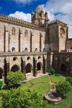 La catedral de Évora, fortaleza medieval. Foto: Corbis