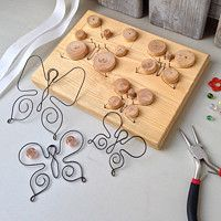 see how wire sculpture is done Wire Crafts, Metal Crafts, Jewelry Crafts, Diy And Crafts, Bijoux Wire Wrap, Wire Wrapped Jewelry, Wire Jewelry, Wire Jig, Wire Ornaments