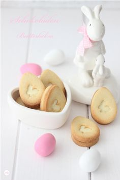 Schokoladen Butterkekse {Hasenliebe} Chocolate butter biscuits in Easter egg shape that can be hidde Galletas Cookies, Cute Cookies, Easter Cookies, Easter Treats, Filled Cookies, Chocolate Butter, Chocolate Biscuits, Chocolate Blanco, Chocolate Bunny