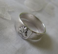 Handmade Textured Ring  Silver Fly Ring  Made in Israel by bgezunt