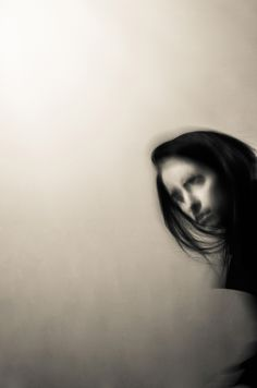 Pallido bianco_ #art #photo #photography #photographer #bnw #blackandwhite #monochrome #selfportrait #portrait
