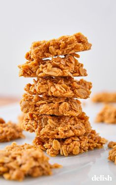 Peanut Butter No-Bake Cookies Are Impossible To Mess UpDelish - Dessert-recipes. Easy No Bake Desserts, Homemade Desserts, No Bake Cookies, Cookies Et Biscuits, Cake Cookies, No Butter Cookies, Amish Cookies, Peanut Cookies, Healthy Recipes