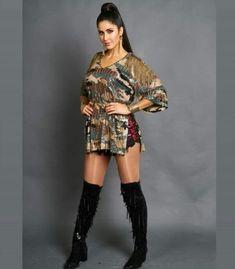 Katrina Kaif Hot Pics, Katrina Kaif Images, Katrina Kaif Photo, Bollywood Celebrities, Bollywood Actress, Thighs Women, Cute Girl Photo, Dance Outfits, Short Outfits