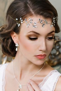 Bridal headband Crystal headpiece Crystal tiara Wedding hair accessories Crystal crown Bridal tiara Bridal hair jewelry Bridal halo