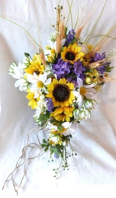 Cascade Sunflower wedding Country wedding by ChurchMouseCreations
