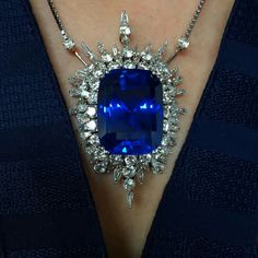 @davidwarrenchristies. Our Important London jewellery auction goes on view at Christie's King Street. 50.36cts Ceylon sapphire @christiesjewels @christiesinc