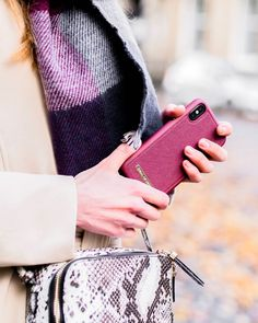 Autumn outfit details: chunky scarf, snakeskin print crossbody bag and burgundy iDeal of Sweden phone case Chunky Scarves, Snake Skin, Sweden, Phone Case, Autumn Fashion, Burgundy, Crossbody Bag, Style Inspiration, Detail