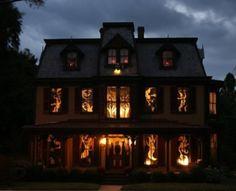 Ideen wie Sie Ihre Fenster mit Scherenschnitten für Halloween dekorieren können-4