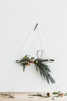 We took inspiration for minimalist Christmas decorations from traditional Scandinavian holiday style and keep things strikingly simple, yet fully festive. Noel Christmas, Winter Christmas, Christmas Wreaths, Christmas Crafts, Xmas, Christmas Ornaments, Winter Wreaths, Simple Christmas Decorations, Scandinavian Christmas Decorations