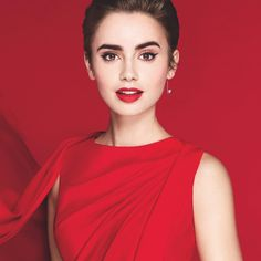 Lilly Collins - Red Lipstick with All Red 💝 Lily Collins Hair, Pernas Sexy, Pictures Of Lily, Lisa Eldridge, Red Lily, Celebrity Hairstyles, Pretty People, Divas, Makeup Looks
