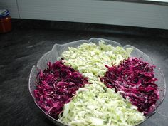 Coleslaw super fast and super tasty ! Coleslaw Sandwich, Veggie Sandwich, Sandwich Recipes, Fall Recipes, Healthy Recipes, Super Rapido, Cole Slaw, Meals For Two, Steak Recipes