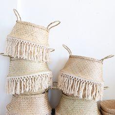 Belly Basket, Macrame Design, Basket Decoration, Macrame Knots, Basket Weaving, Boho Decor, Diy And Crafts, Baskets, Creations