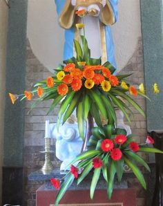 Một số mẫu cắm hoa trong Phụng vụ Modern Floral Arrangements, Church Flower Arrangements, Beautiful Flower Arrangements, Beautiful Flowers, Wedding Top Table Flowers, Arte Floral, Flower Crafts, Beading Patterns, Flower Designs